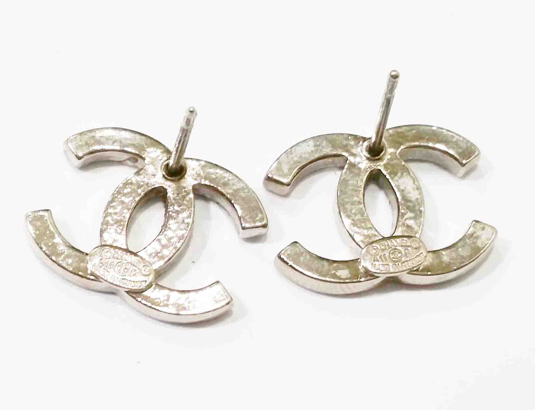 chanel earrings authentic chanel classic silver cc