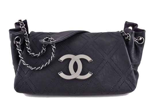 Chanel   Chanel Black Diamond Stitch Jumbo Accordion Classic Flap Bag