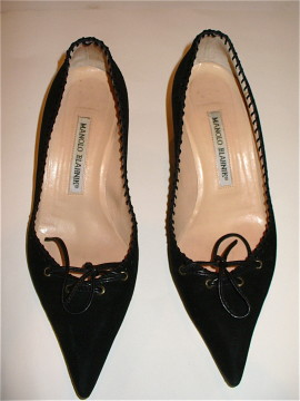 Manolo Blahnik Black Suede Kitten Heels Size 37/US 7