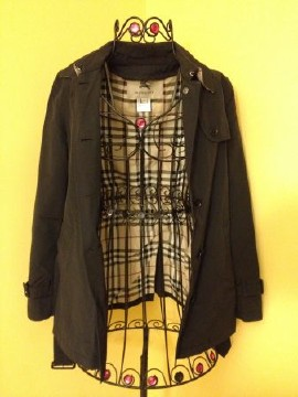 Burberry Women Trench Coat Size 2R
